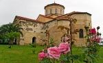 Güllerin içinden Ayasofya Kilisesi
