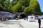 Sarp Sınır Kapısının önü