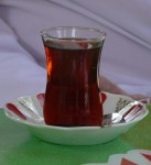 Özçay fabrikasında bir bardak demli çay zamanı