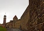 Erzurum Kalesi dışından Saat Kulesi (Tepsi Minare) nin görünüşü