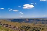 Arpaçay Nehri Vadisi ve Ağrı Dağı. Vadinin karşı tarafı Ermenistan.