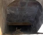 İshakpaşa Sarayı zindana mahkumların iple indirildiği boşluk