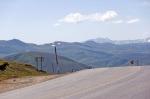 Tendürek Geçidi. Karşı tepeler İran sınırı