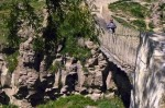 Muradiye Şelalesi üzerindeki asma köprü
