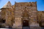 Cacabey Medresesi ana girişi